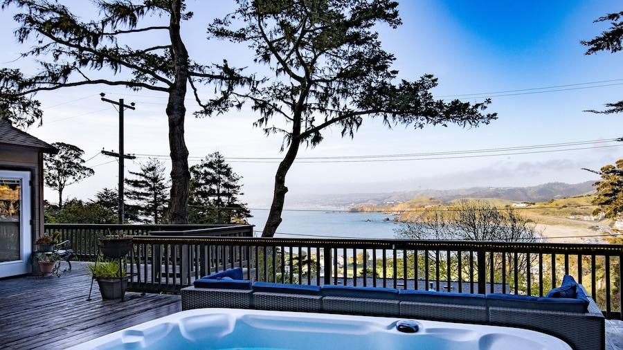 @ Marbella Lane - Pedro Point Beach House with Hot Tub