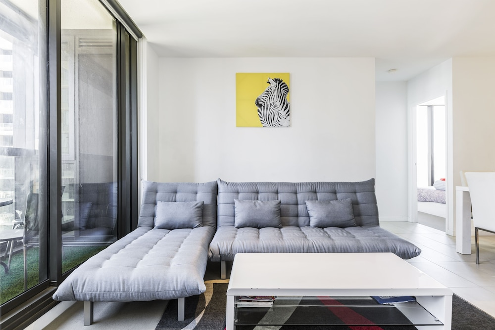 Apartment in melbourne with roller blinds