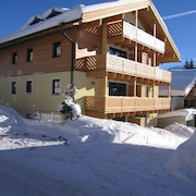 Apartment Simone in the Hiking and Skiing Paradise Königsleiten/zillertal