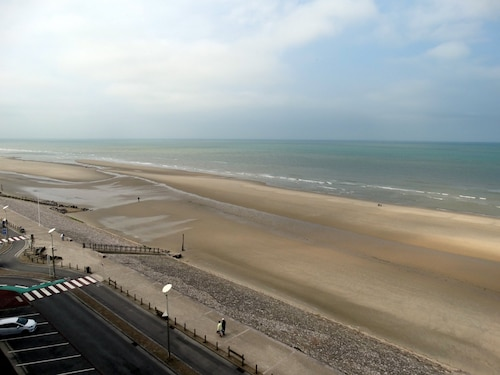 Hardelot Seafront-superb apt 2 Bedrooms - 66m2-neat Decor-exceptional View