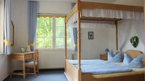 Desk, free cribs/infant beds, free WiFi, bed sheets