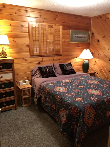 Room, Cozy Lake-front Cabin on a Recreational Trail