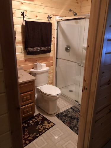 Bathroom, Cozy Lake-front Cabin on a Recreational Trail