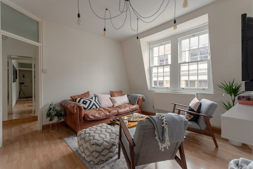 Soho 2 Bedroom Flat By Oxford Circus