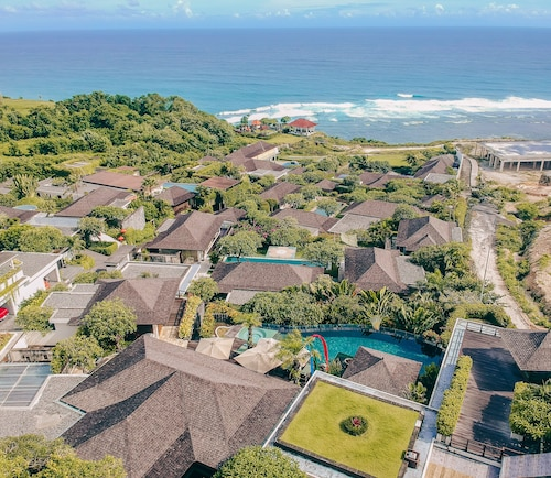 Luxury Clifftop Ocean 5BR Private Pool Villa at Nusa Dua
