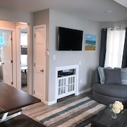 Completely Renovated Duplex Ocean Block, Close To Everything in Dewey