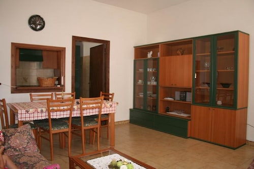 Apartment f. 4-pers 2 km to the Beautiful Sandy Beach
