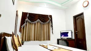Soundproofing, iron/ironing board, bed sheets