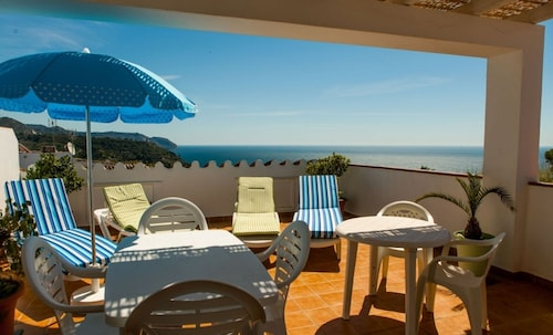 Caves, Beach and Mountain! Fantastic Ocean View With Terraces and Barbecues