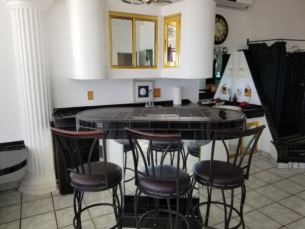 , Specials!! 11 Bdrms. 4 Casita Apartments. 5 Kitchens. Rent 5 Bdrms or up to 11