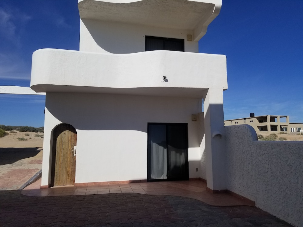 Exterior, Specials!! 11 Bdrms. 4 Casita Apartments. 5 Kitchens. Rent 5 Bdrms or up to 11