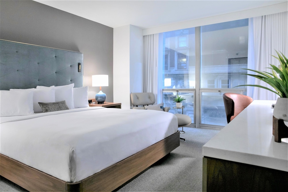 Room, Hotel Essex Chicago