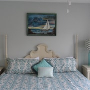 NEW LOW Rates Large 1-bedrm Condo On the Beach -- Sleeps 6