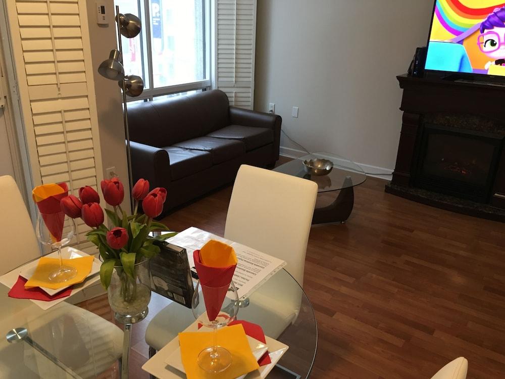 Family Size 2 Bedroom 2 Bathroom Toronto Luxury Rental Condo