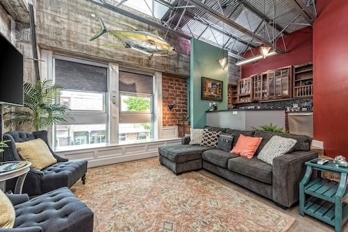 Green Door Lofts-tuna Loft, Silos/downtown