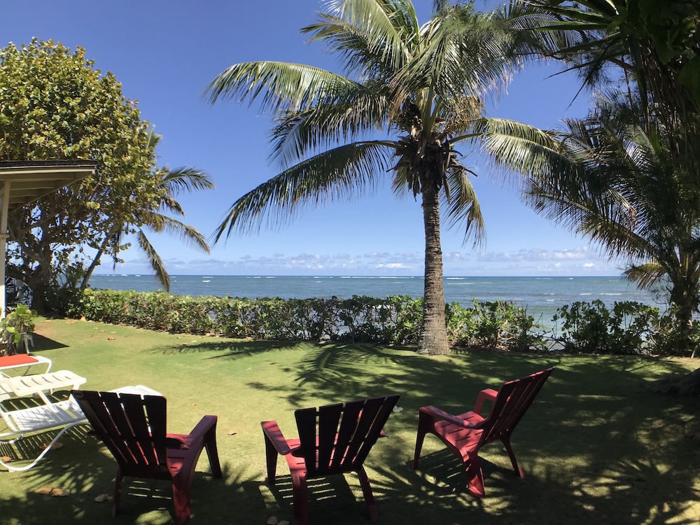 , Waialua Honu Hale - Spectacular Beachfront Home! 30 Day Rental