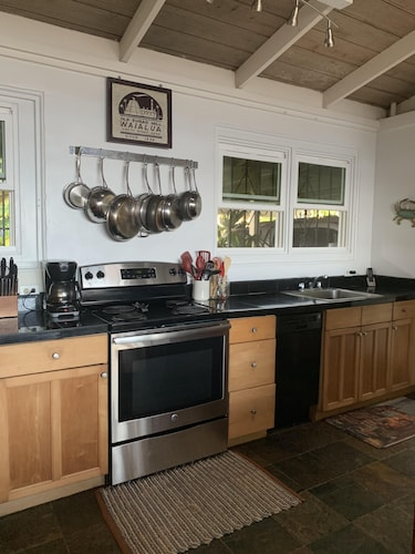 Private Kitchen, Waialua Honu Hale - Spectacular Beachfront Home! 30 Day Rental