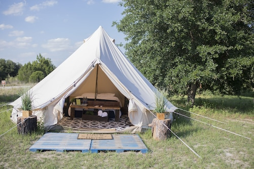 Luxury Glamping @ Lake Louisa
