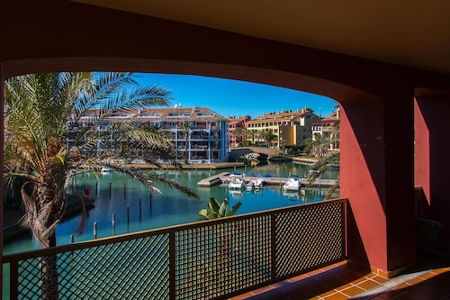 Charming Apartment / Beautiful Apartment in the Port of Sotogrande