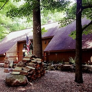 Seven Springs Cabin - Bear Claw Chalet - Authentic, Pet Friendly Log Cabin