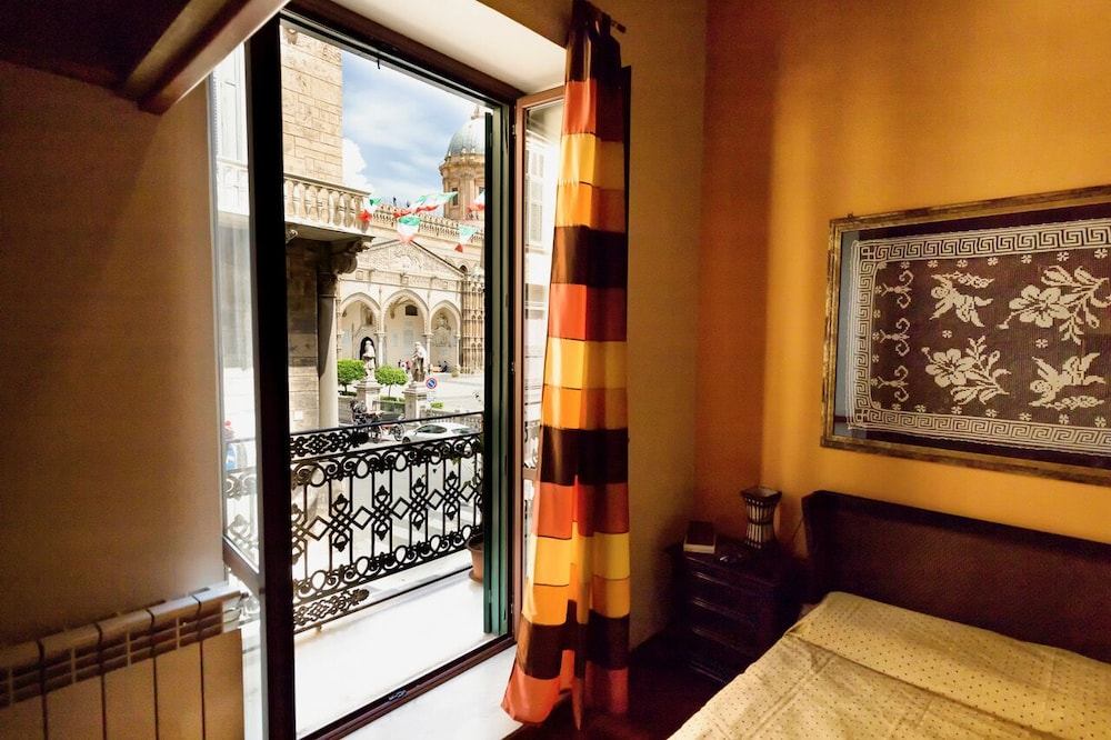 Entire Apartment With Cathedral View, 2 Bedrooms and 2 ...
