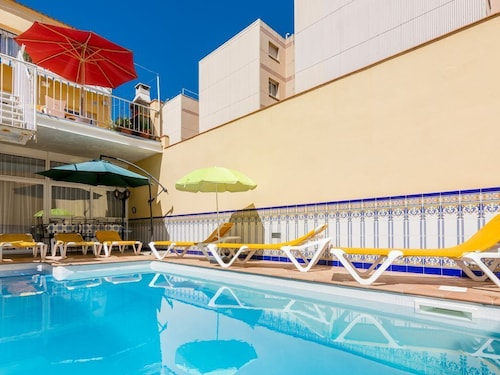 OS Homeholidaysrentals Rosamar - Costa Barcelona - House for 9 People in Malgrat de Mar
