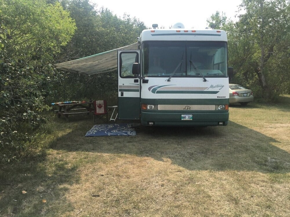 Parking, ClassA RV, boondocking Freestyle at the Nude Beach anywhere Manitoba