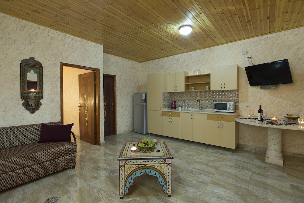 Private Kitchen, Biankini Village Resort Dead Sea