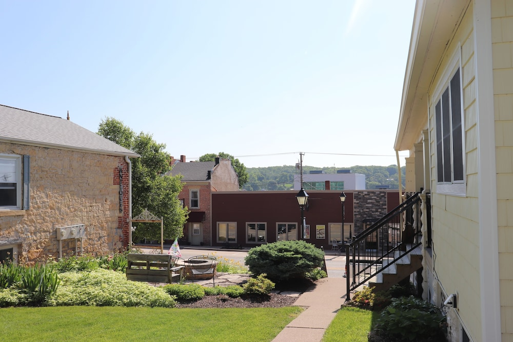 Property Grounds, Gorgeous Loft in the Heart of Leclaire, Iowa