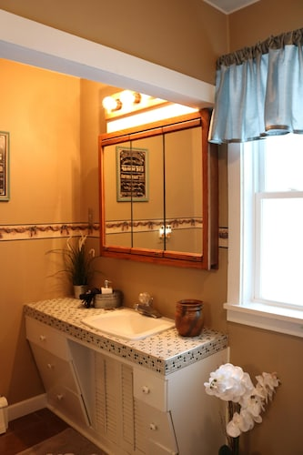 Bathroom, Gorgeous Loft in the Heart of Leclaire, Iowa