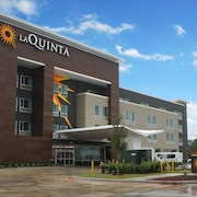 La Quinta Inn and Suites by Wyndham Houston Spring I-45