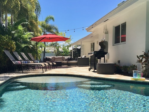 Book Now. Save $160. Location! What an Oasis!