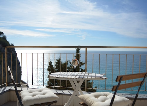 Apartment With Wonderful sea View