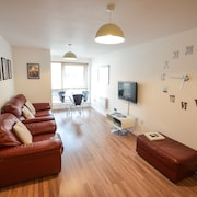 Modern Apartment In Gunwharf Quays