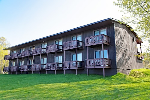 Lake Fanny Hooe Resort-2 bed with Balcony #22 - 1 Br Hotel Room