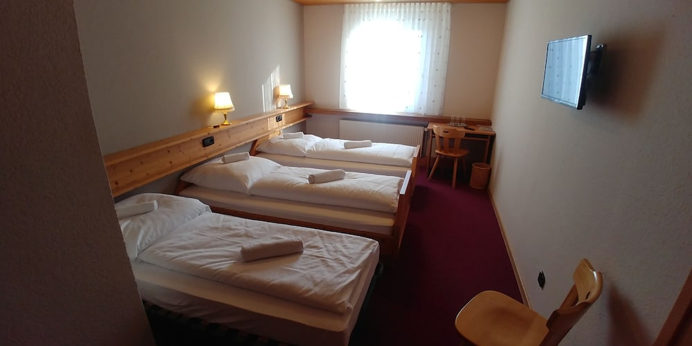 Room, Bad Bruckhaus