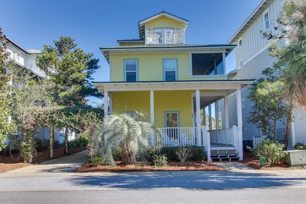 Charming, Beachy Home W/ Garden Patio, Covered Porch ...