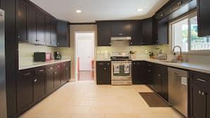 冰箱、烤箱、茶具/咖啡用具、烤面包机