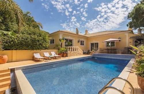 Villa With 4 Bedrooms in Almancil, With Private Pool, Enclosed Garden and Wifi - 5 km From the Beach