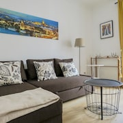 Living-Sevilla Feria Apartments