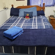 Cozy 1 Bedroom With all the Comforts of Home. Queen Size bed