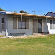 Pearly Shells is an Original Coffin Bay Shack in the Perfect Location