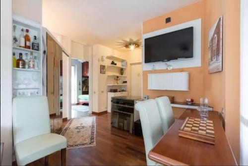 Hintown Parks & Lakes Apartment