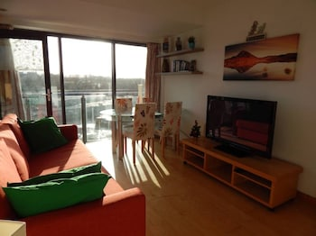 Riverside 1 Bedroom Central Flat