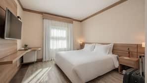Minibar, strykjärn/strykbräda, gratis wi-fi och sängkläder