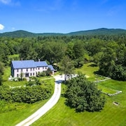 Isolated Rural Inn & Cottages! Private Water, Generator, Wifi! Scenic Weston Inn Near