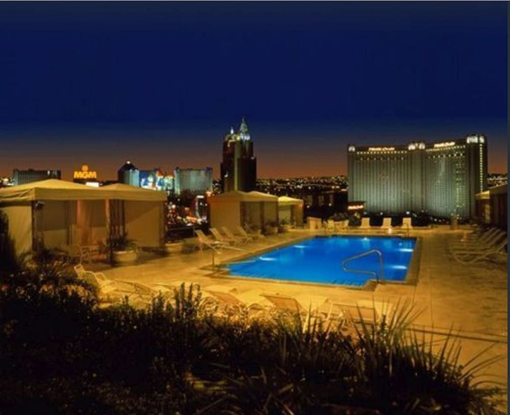 Pool, In the Heart of the Las Vegas Strip