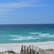 Open 4/28-5/6! Southern Breeze #2! 1 BR Gulf Front Townhome on Navarre Beach!