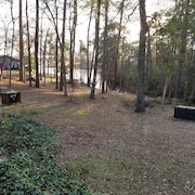 Cottage 2 Bedroom 1 Bath Lake View and Access at Full Pool. Six Mile on Toledo