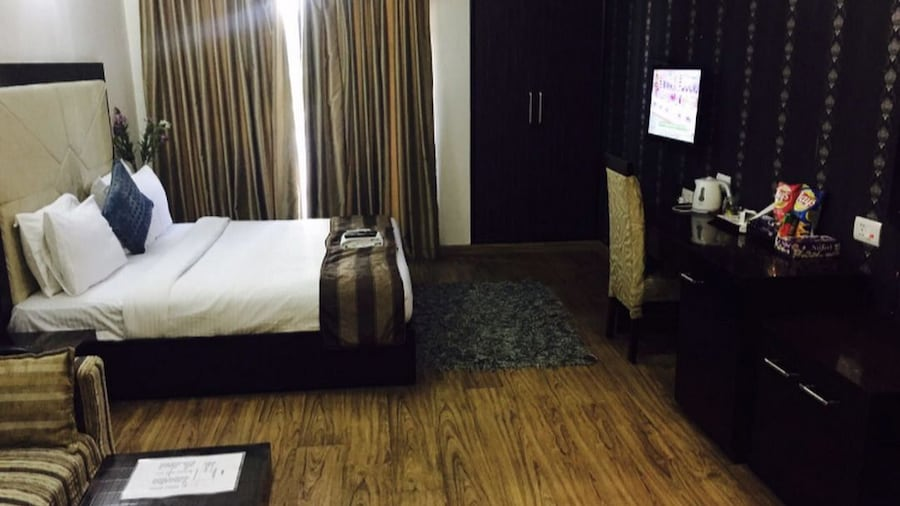 JK Rooms 143 Amazone Holiday Guest House